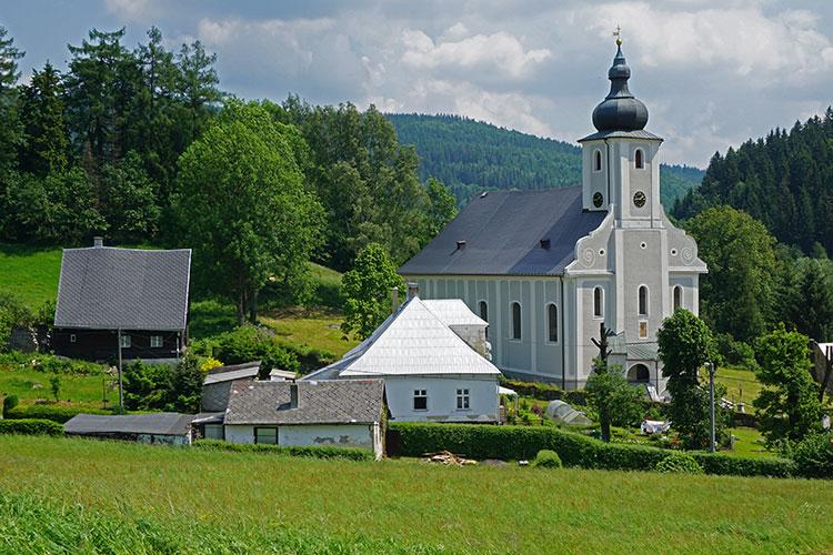 Farní kostel svatého Ondřeje v Heřmanovicích